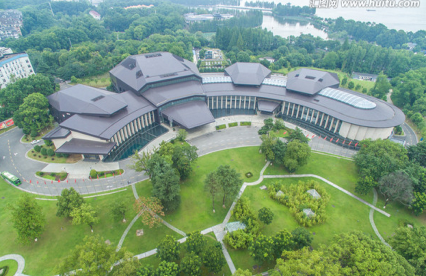 East_Lake_Intl_Conference_Center_Aerial.png